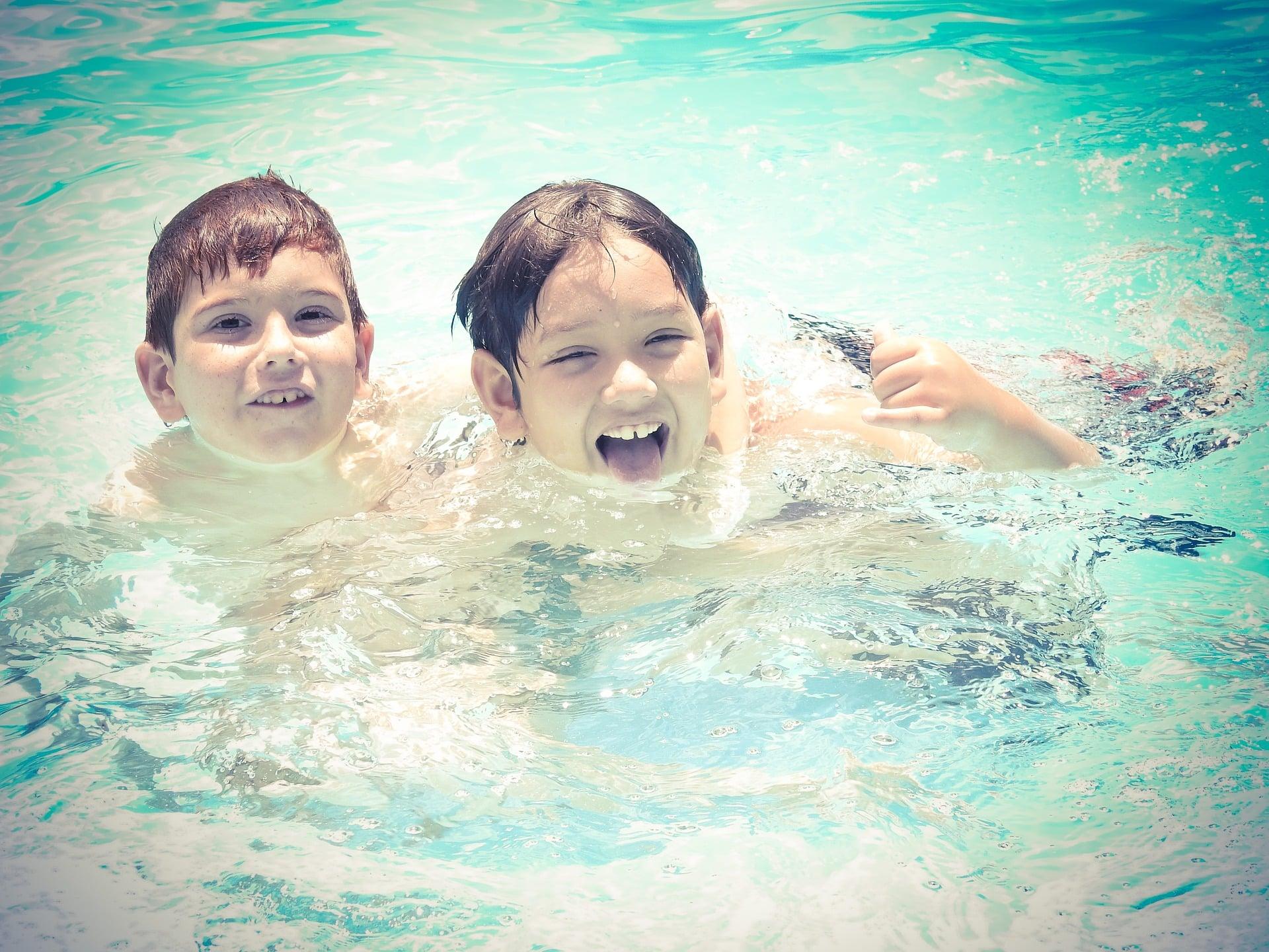 idées de jeux pour enfant piscine
