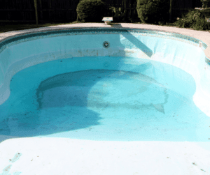 piscine coque fisurée