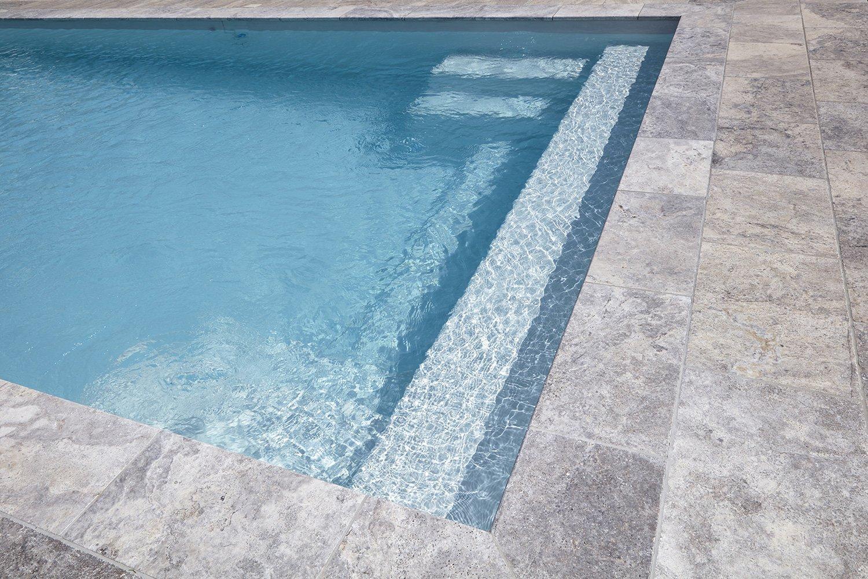 piscine coque qui bouge