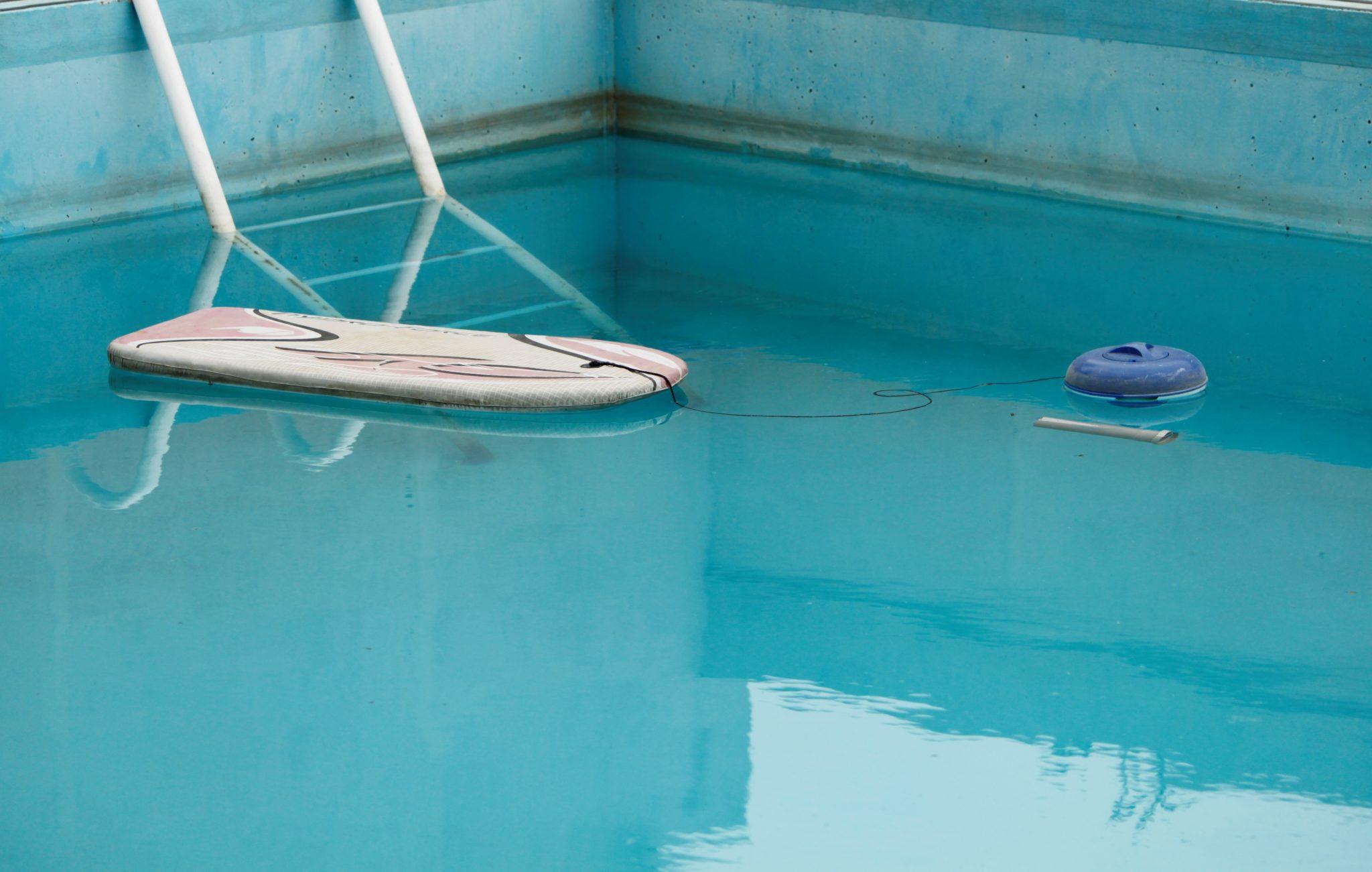 nettoyer piscine coque