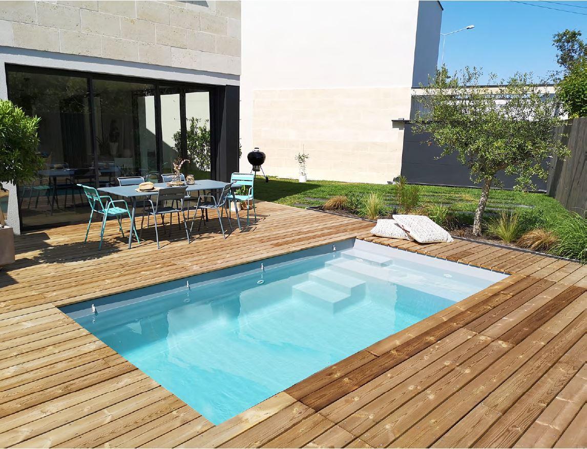 piscine coque acrylique vs polyester